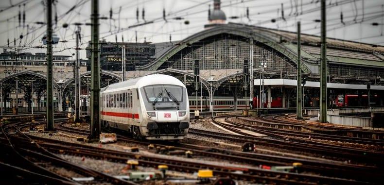 Zalety pociągu w porównaniu do samochodu
