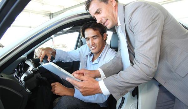 Prowadzenie firmy wiąże się z koniecznością wprowadzania zmian. Zakup pojazdów, maszyn czy urządzeń jest ważne w przypadku rozwoju przedsiębiorstwa. Chociaż wiele osób decyduje się przeznaczyć bieżące środki firmowe na zakup, nie zawsze jest to korzystne rozwiązanie. Warto zdecydować się na leasing - formę finansowania, która może okazać się niezwykle opłacalna.