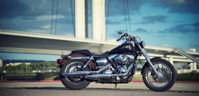 Stylowe samochody i motocykle gwiazd