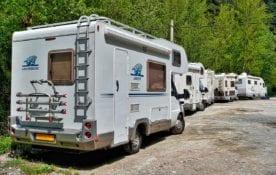 Podróżowanie campingiem po Europie.
