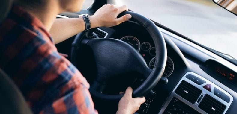 Wypożyczalnia samochodów – kiedy warto z niej skorzystać?