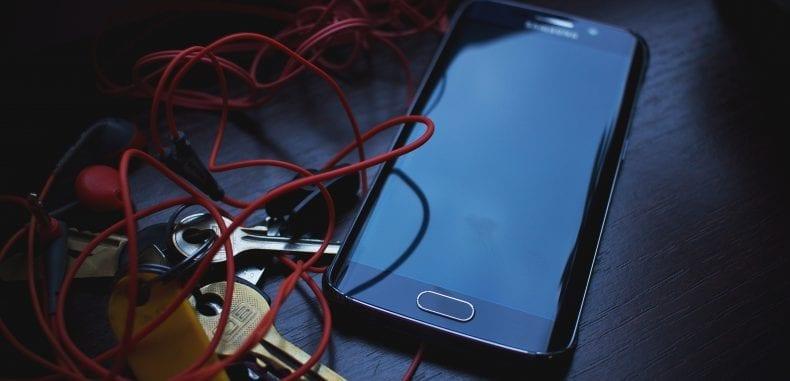 Ubezpieczenie smartfona popularniejsze niż polisa AC