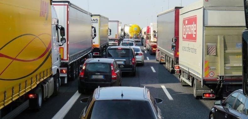 Ubezpieczenie nowego, luksusowego samochodu – jak wybrać, by zabezpieczyć się przed wypadkiem, kradzieżą, zniszczeniem i kosztownymi naprawami?