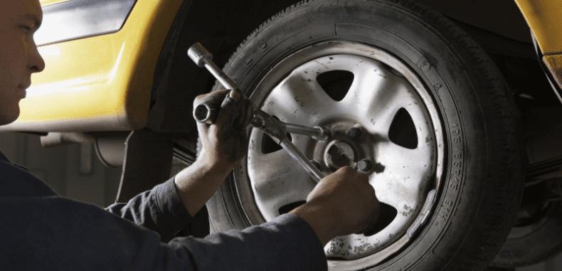 Serwisowanie auta samemu – czy dużo można na tym zaoszczędzić?