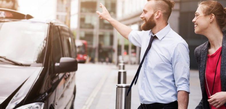 Wynajem busów. Z kierowca czy bez?