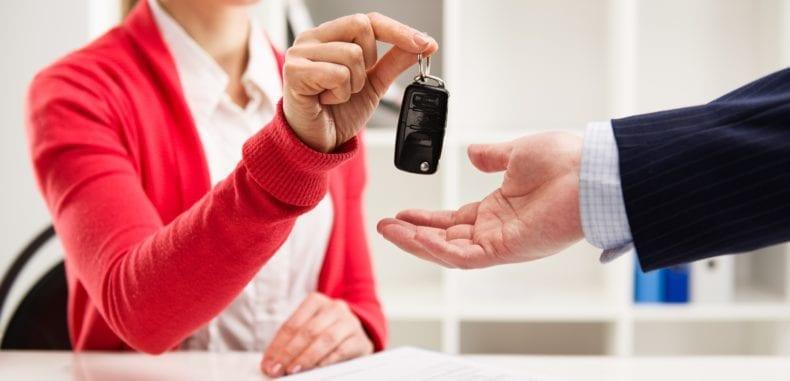 Na co uważać przy wynajmie samochodu?
