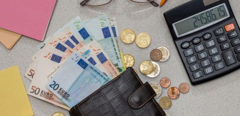 Rozliczenia biznesowe w euro? Oszczędzaj kupując online