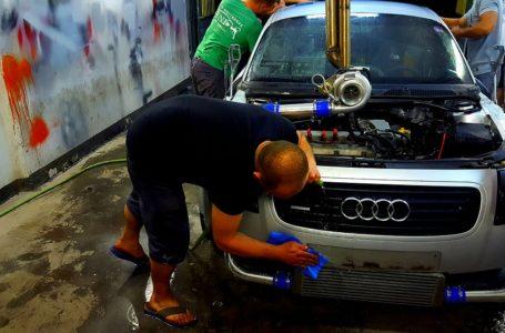 Przed wyjazdem na urlop sprawdź olej w silniku swojego auta