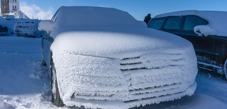 Pokrowce samochodowe na zimę – idealny prezent dla Twojego samochodu