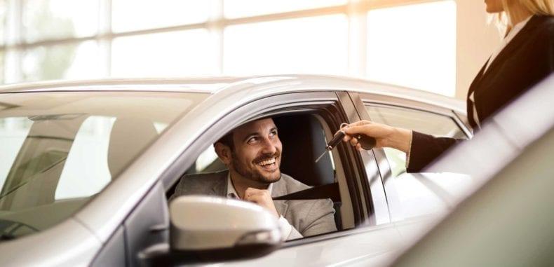 Dlaczego warto skorzystać z długoterminowego wynajmu auta?