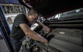 Oleje silnikowe - sprawdź, co warto o nich wiedzieć