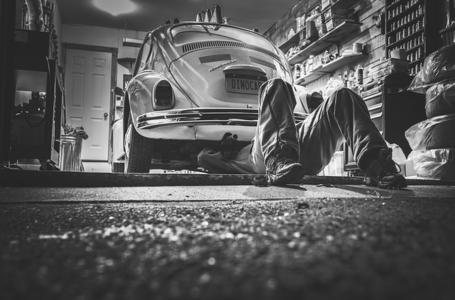 Co warto wiedzieć o branży automotive?