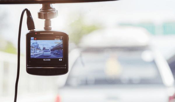 4 powody, dla których warto kupić kamerkę do samochodu