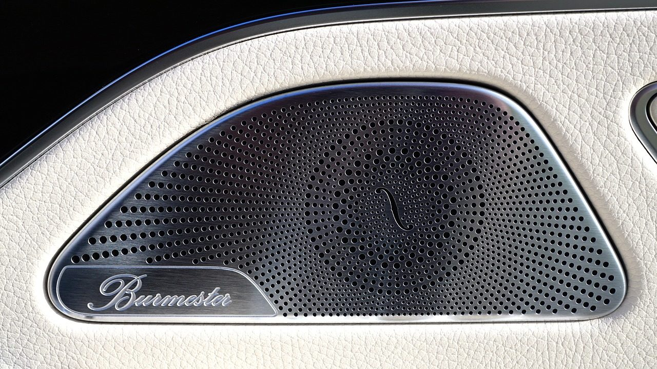 Czym kierować się przy wyborze głośników do samochodu?