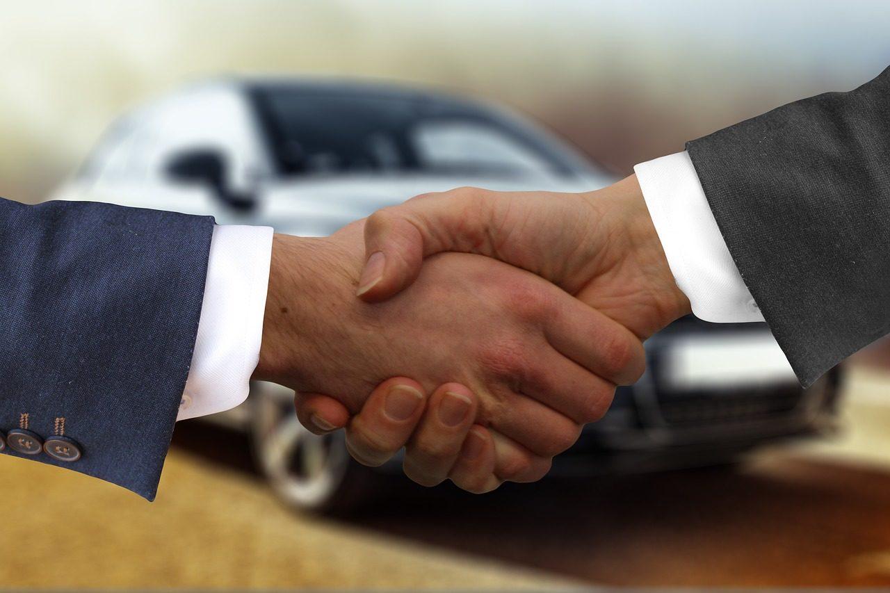 Jak zdobyć pieniądze na zakup samochodu? Pomoże pożyczka