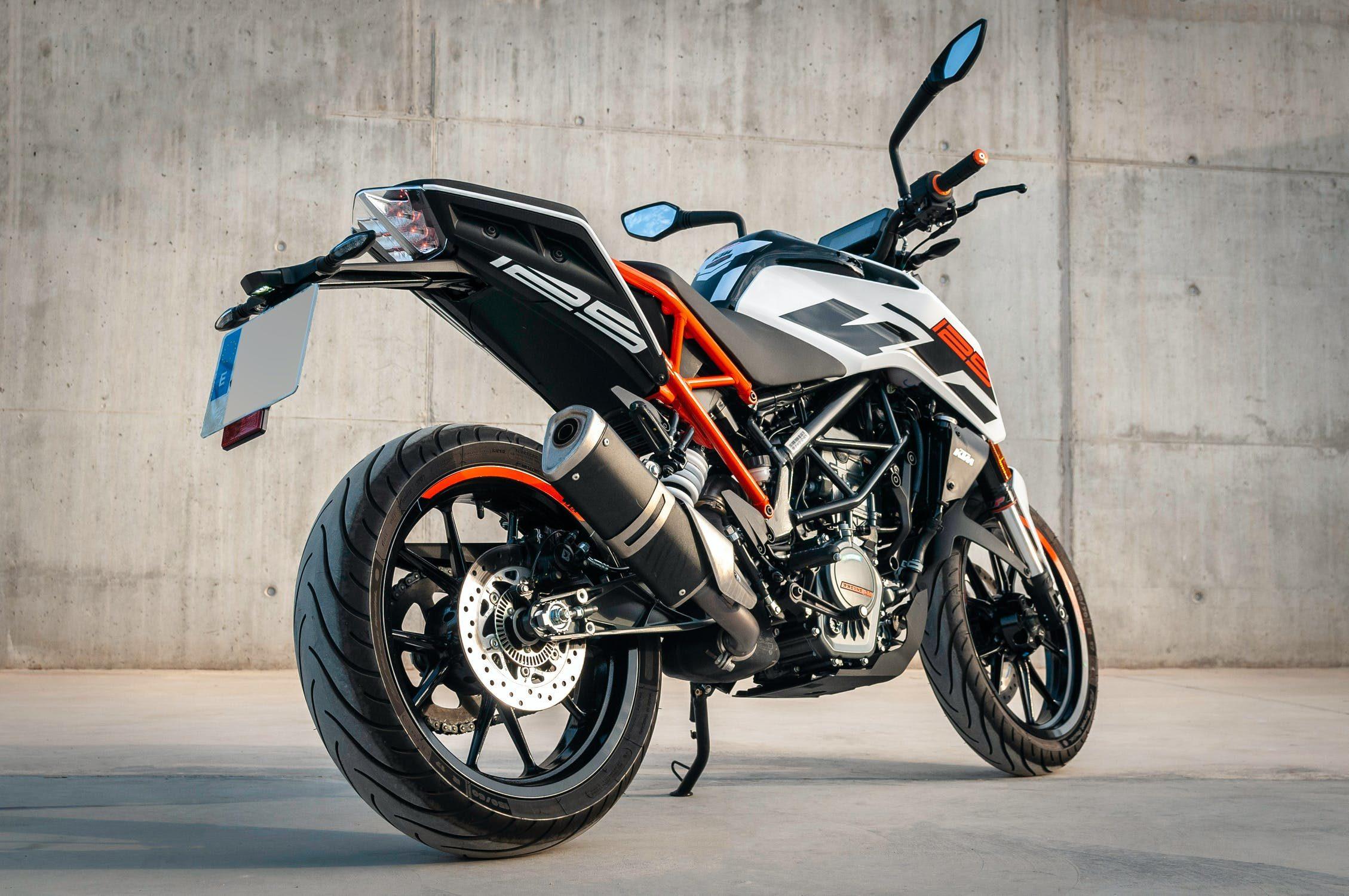 Czemu warto kupić motocykl o pojemności 125 ccm?