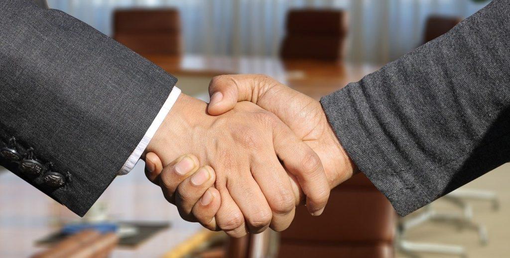 Współpraca przewoźnik - spedycja: jak nawiązać korzystną relację?